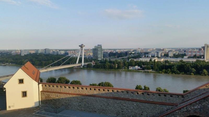 Razgled na Bratislavo in Donavo